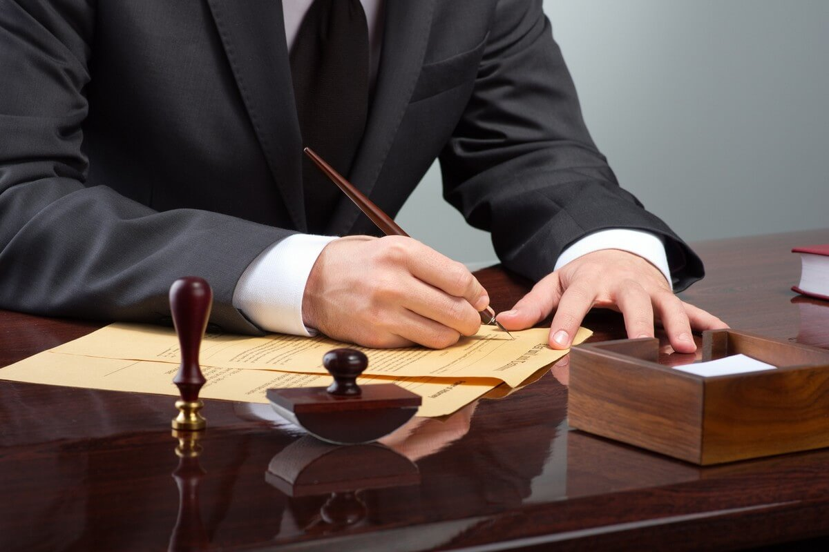 Услуги строительного юриста (фото)