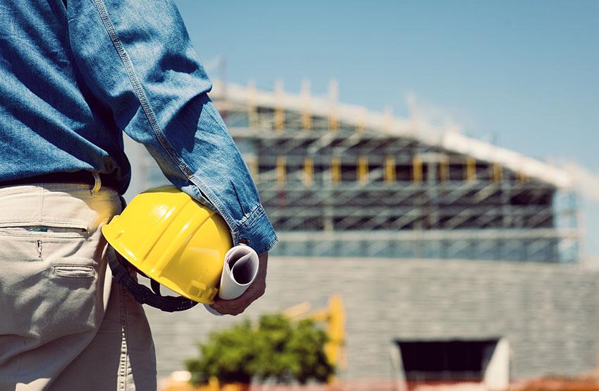 Эксперт по строительству (фото)